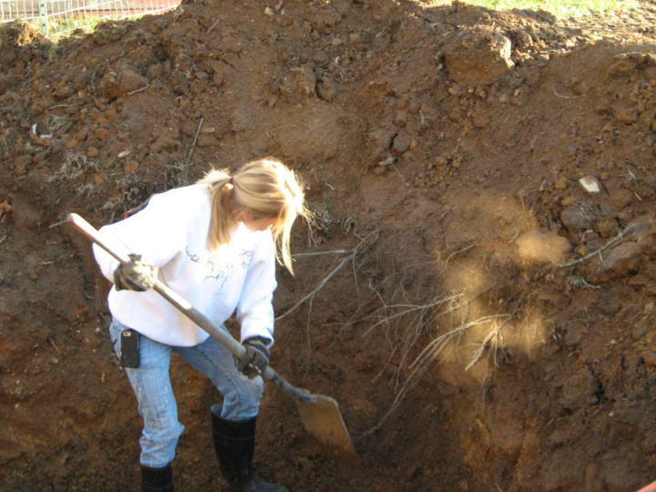 Digging with spade WP