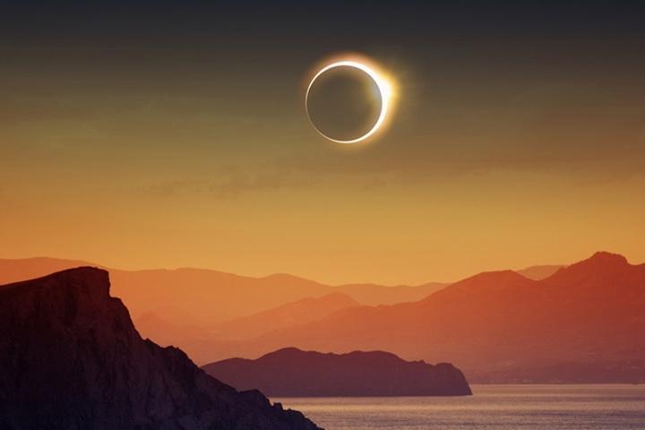 Prstencové zatmenie Slnka